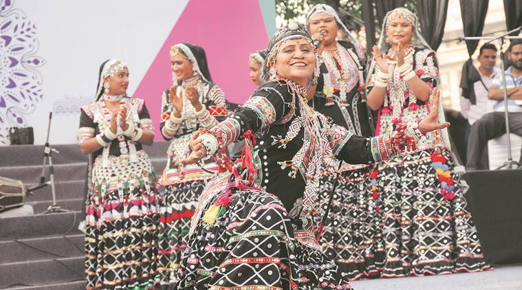 gulabo sapera, snake dancers, indian dance forms, indian dancers' life, folk dancers, rajasthani culture, indian express, padma shree artists