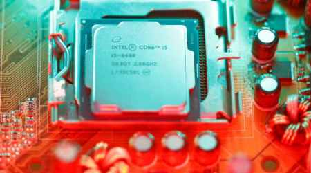 Intel's sales outlook signals no 'Meltdown' from chipflaws