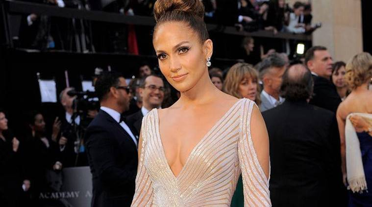 Jennifer Lopez sets new record by becoming the oldest 'Guess' girl with their Spring 2018campaign