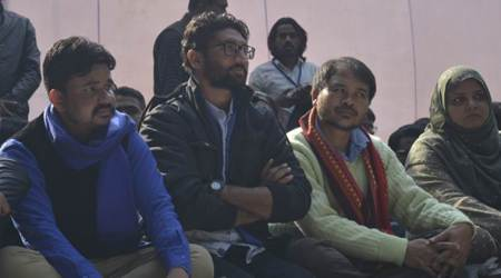 Jignesh Mevani shown black flags by section of Valmiki community in Ahmedabad