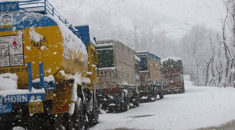 Jammu Kashmir snowfall, National Highway, Jammu and Kashmir landslides, Jammu and Kashmir News, Indian Express