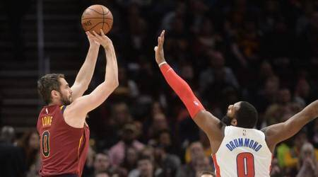 NBA: Kevin Love breaks hand in Cleveland Cavaliers' 125-114 loss toDetroit