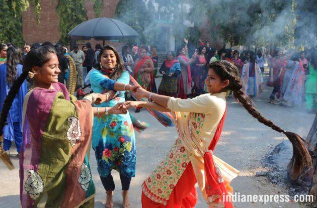 lohri, lohi photos, lohri images, lohri celebrations, lohri festival, lohri celebration photos, india lohri photos, lohri 2018, indian festivals, indian express