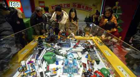 Lego teams up with Chinese internet giant Tencent for games, social network