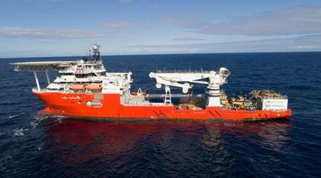Ship hired to find MH370 arrives in searchzone