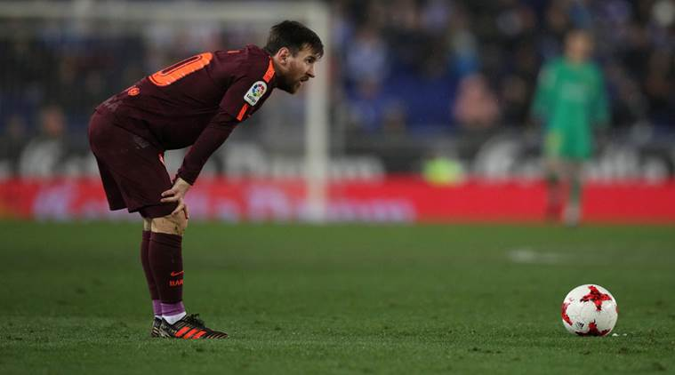 Lionel Messi misses penalty, Barcelona's 29-game unbeaten run ends