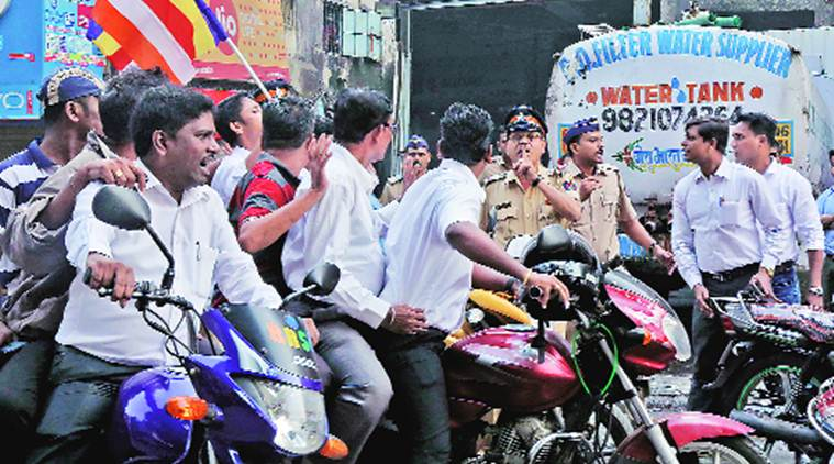 Under sharp criticism over handling bandh, Mumbai police say 'acted cautiously'