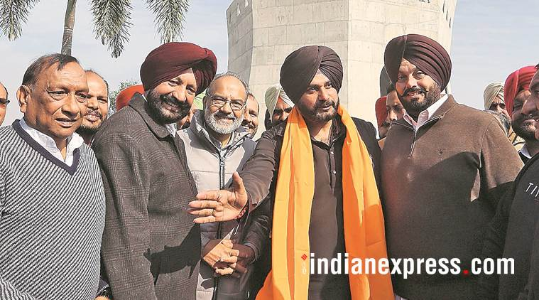 navjot singh sidhu, punjab local bodies minister, mohali mayor, kulwant singh, public toilet construction punjab, indian express