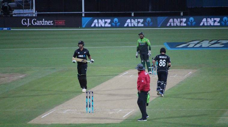 Colin de Grandhomme spurs New Zealand to victory over Pakistan by 5 wickets in 4th ODI