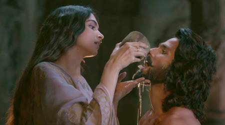 Padmaavat's teaser shows Queen Padmavati as a woman of honour