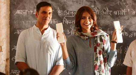 Meet Akshay Kumar's Hu Ba Hu Sonam Kapoor in the latest song of PadMan