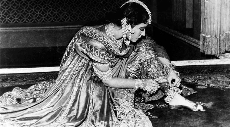 urdu poetry, indian cinema, ruth vanita, courtesans, indian poets, lucknow history, hindi cinema, portrayal of women in bollywood