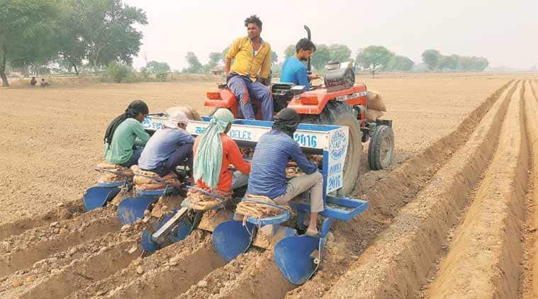 Indian labour wage, minimum labour wage, labour laws, Labour markets, rural wages, demonetisation, PM Modi, Indian express
