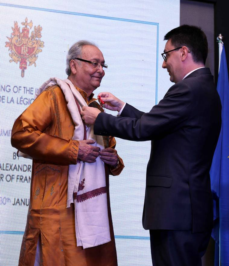 Soumitra Chatterjee receives award