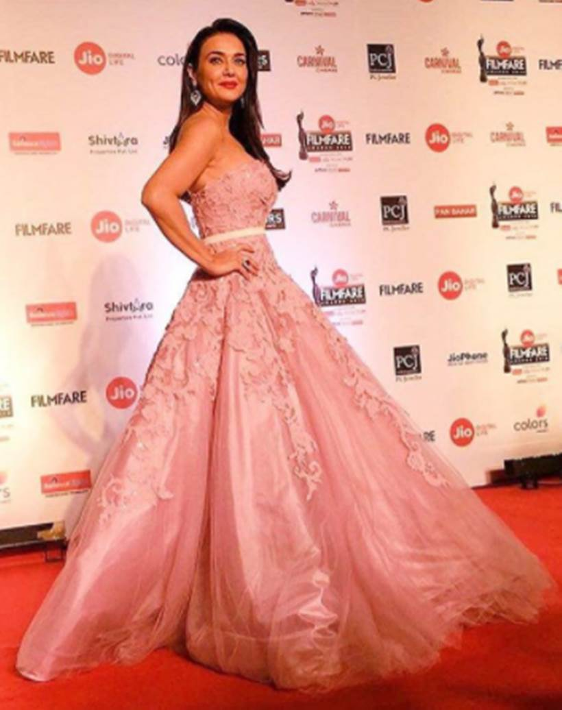 Filmfare Awards 2018 red carpet photos