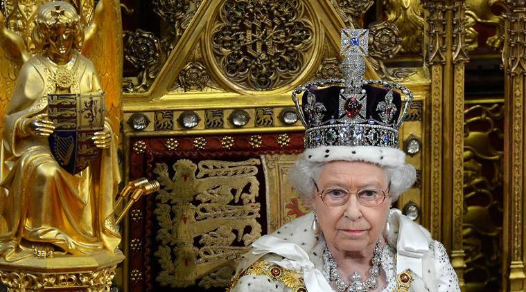 queen elizabeth crown, england queen, royal crown, corronation jewels, britain queen, imperial state crown, westminster abbey, world news, uk news, queen elizabeth 2 interview, indian express