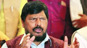 2019 Lok Sabha polls: Ramdas Athawale bats for Sena-BJP alliance