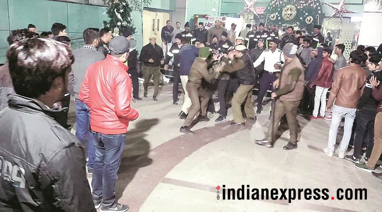 sahara mall, gurgaon mall fight, mall entry, gurgaon, no entry in mall fight, indian express