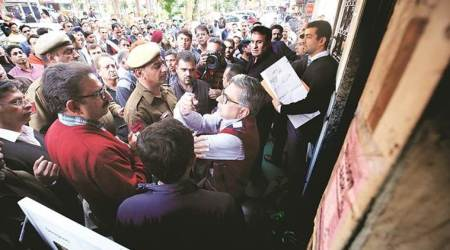 delhi sealing, commercial units in delhi sealed, supreme court order, sealing drive on feb 15, rally by traders on valentines day, indian express
