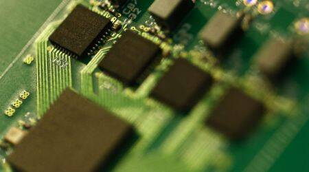 Semiconductor industry, Samsung Electronics, global semiconductor demand, dynamic random access memory, computer chips, NAND flash memory chips, super cycle, Chinese manufacturers