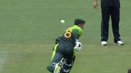 Shoaib Malik shows symptoms of delayed concussion after being hit on the head