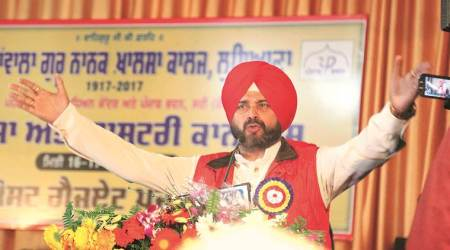 Call me if someone asks for bribe: Navjot Singh Sidhu to NRIs