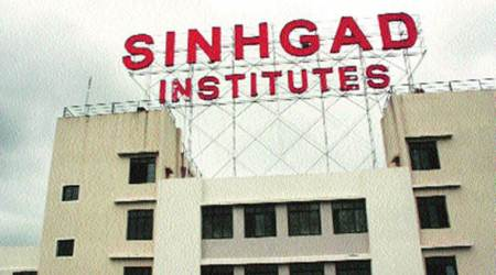 Over 200 students of Sinhgad Institute hold rally in support of strikingteachers