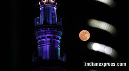 Lunar Eclipse (Chandra grahan) 2018 and Super Blue Blood Moon in India