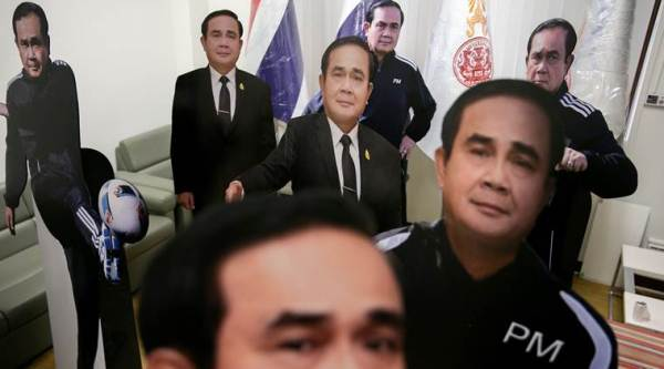 thailand pm cardboard cut out