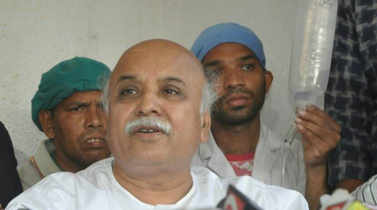 Aide loses VHP chief poll Pravin Togadia his post