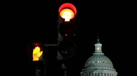 US government shutdown looms, lawmakers in hectic negotiations