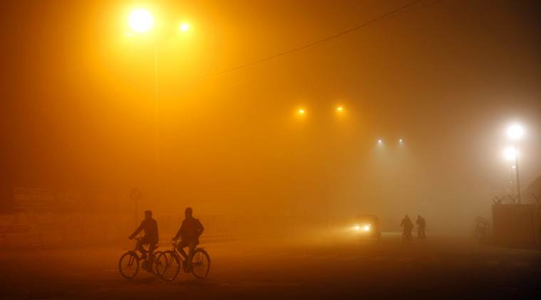 Night temp dip below freezing point in Kashmir