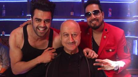 My competition is with Varun Dhawan, Maniesh Paul: Anupam Kher