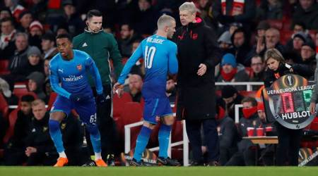 Europa League: Napoli win but go out, red-faced Arsenal lose and go through
