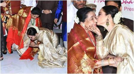 Asha Bhosle honoured by Rekha at the 5th Yash Chopra Memorial Awards