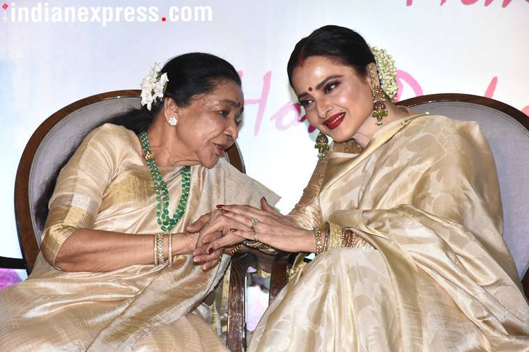 Asha Bhosle honoured with Yash Chopra Memorial Award
