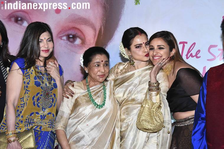 Bollywood honours Asha Bhosle with 5th Yash Chopra Memorial Award