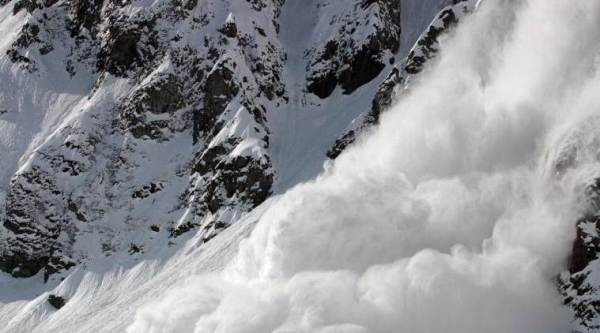 Switzerland avalanche hit, Switzerland avalanche strike, Switzerland avalanche hit one dead, Switzerland avalanche hit three injured, world news, latest world news, indian express, indian express news