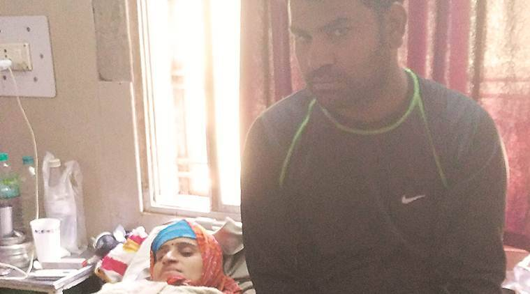 Budget postcard from Betul: Baby's death, missingstretcher