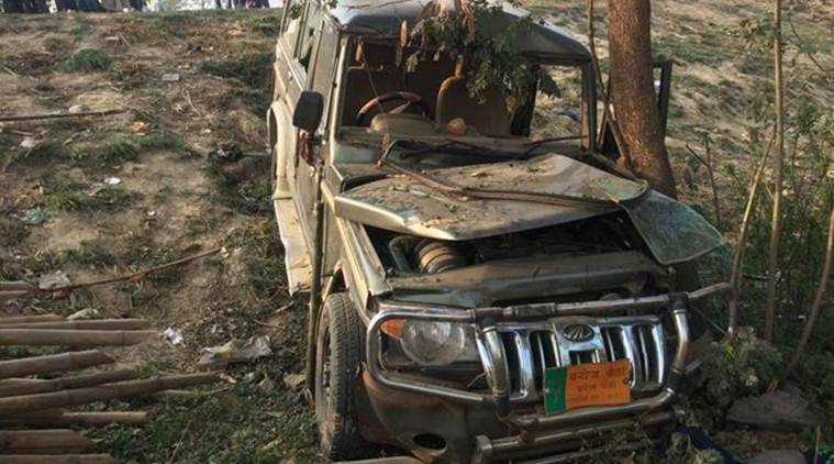 Auto  with BJP flag kills 9 children