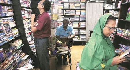 Mumbai: Iconic Strand book stall to permanently down shutters