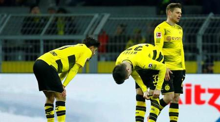 Borussia Dortmund drop vital points after drawing 1-1 against Augsburg