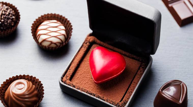Chocolate Day 2018 Romantic Gifts That You Can Give Your Girlfriend