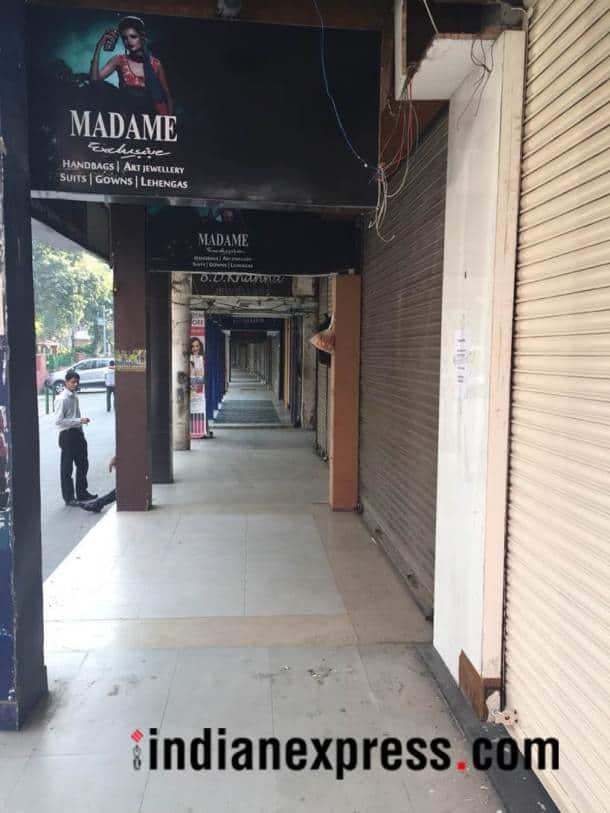 delhi bandh photos, delhi market shut images, delhi market strike pictures, mcd sealing drive, delhi markets closed pics, south ex, gk, cp, karol bagh, rajouri garden, indian express