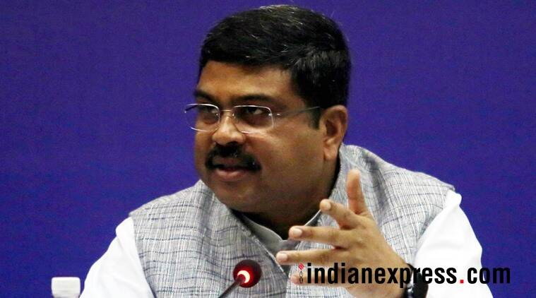 Dharmendra Pradhan for ED, IT dept probe into Bijepur cash seizure