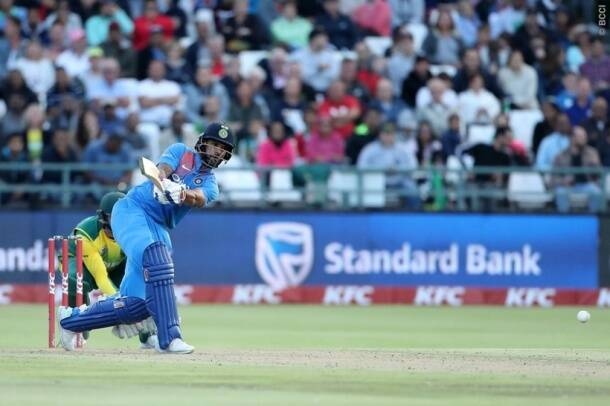 Shikhar Dhawan batting