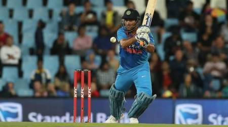 MS Dhoni, MS Dhoni India, India MS Dhoni, MS Dhoni half century, MS Dhoni batting, MS Dhoni runs, Dhoni runs, Dhoni sixes, India vs South Africa, sports news, cricket, Indian Express