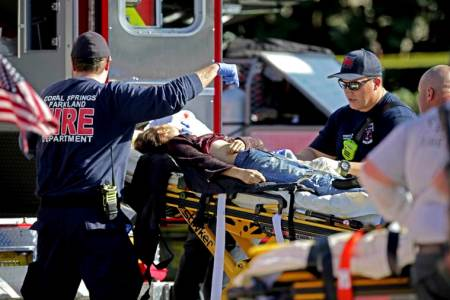 Florida shooting: Brother of suspect arrested for trespassing atschool