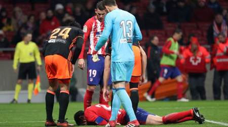 Atletico Madrid's Diego Godin loses several teeth in collision; watch video