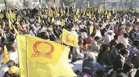 Farmers threaten to block entry-exit points of Delhi today